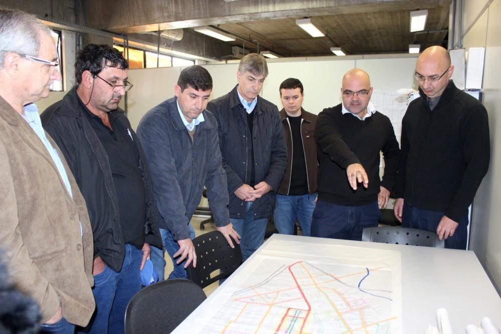 Crescimento dos bairros é discutido e apresentado a líderes comunitários