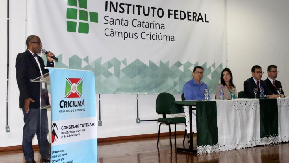 Conselhos Tutelares de Criciúma celebram 27 anos do Estatuto da Criança e do Adolescente