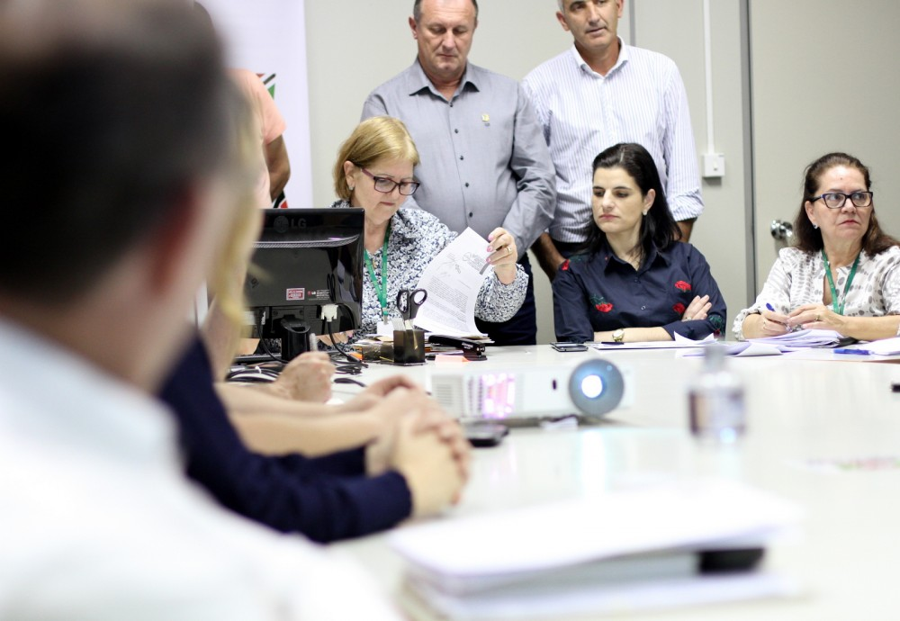 Prefeitura de Criciúma inicia transmissões de licitações ao vivo pela internet