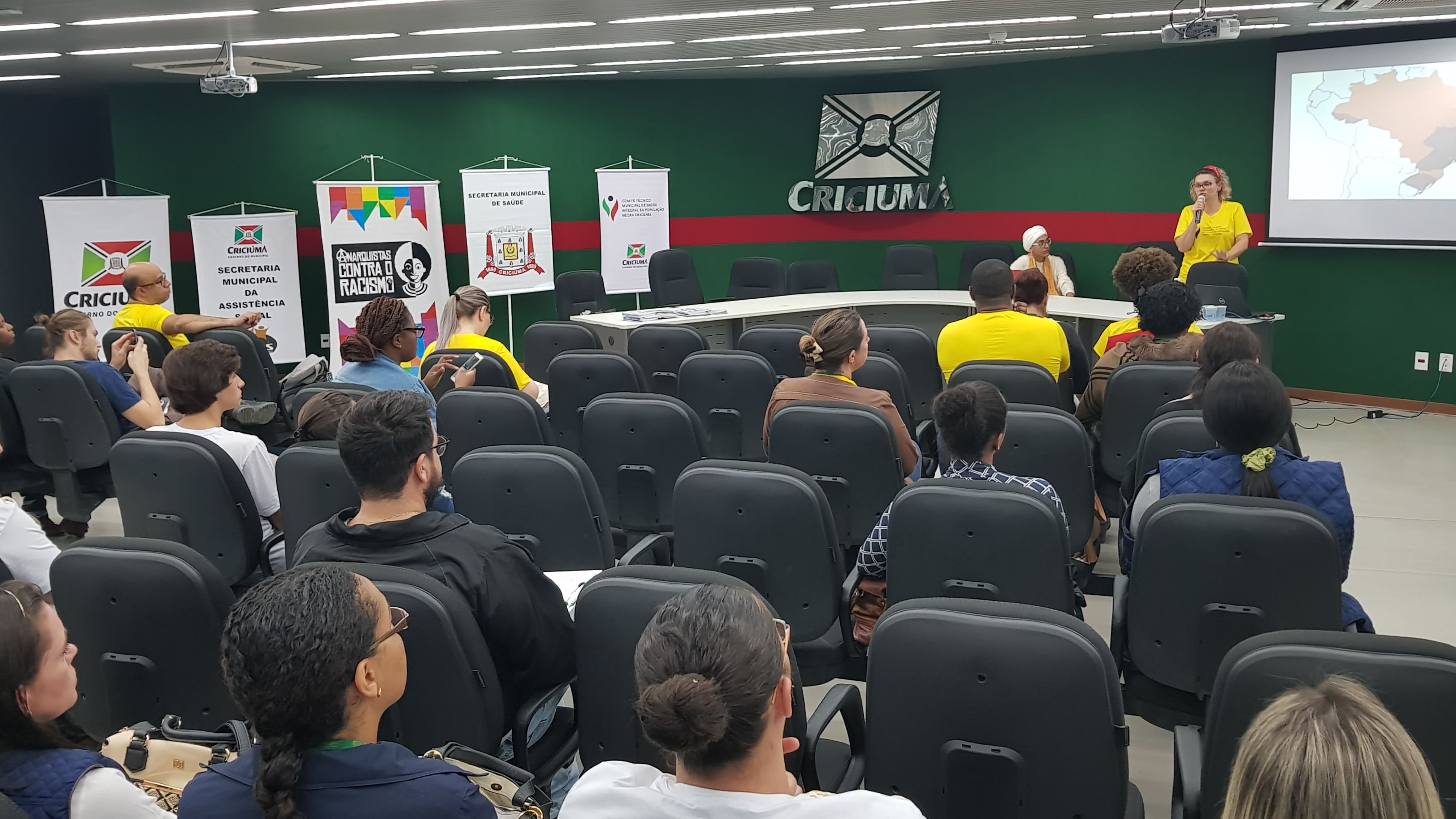 Prefeitura Municipal de Criciúma - 1° Seminário de Saúde Integral da População Negra é realizado em Criciúma