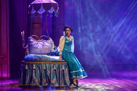Prefeitura Municipal de Criciúma - Teatro Elias Angeloni apresenta o musical A Bela e a Fera neste domingo