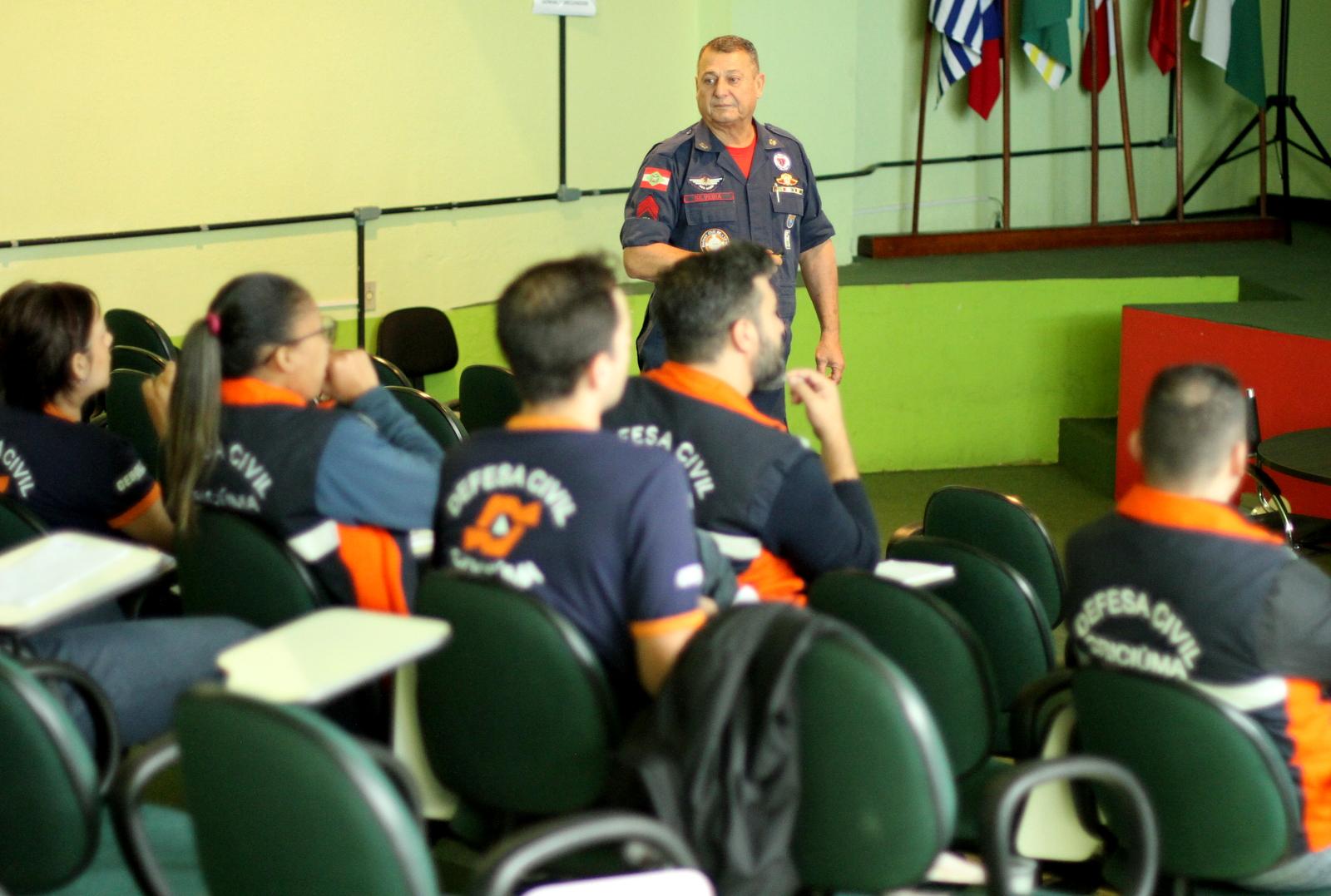 Agentes_da_Defesa_Civil_de_Criciuma_recebem_capacitacao_sobre_primeiros_socorros_Foto_de_Jhulian_Pereira_1.JPG