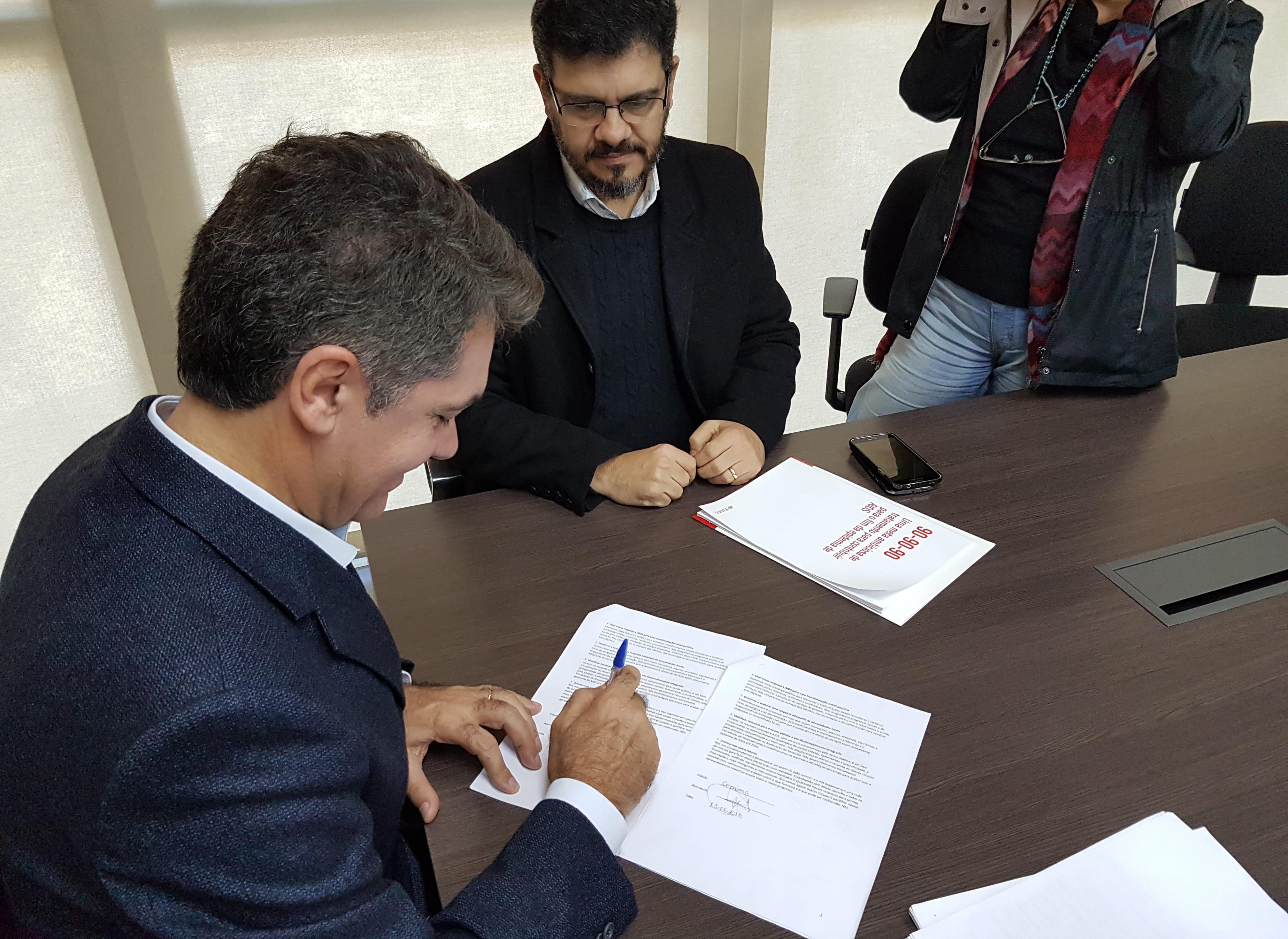 Prefeitura Municipal de Criciúma - Criciúma assina Declaração de Paris e fortalece combate à AIDS