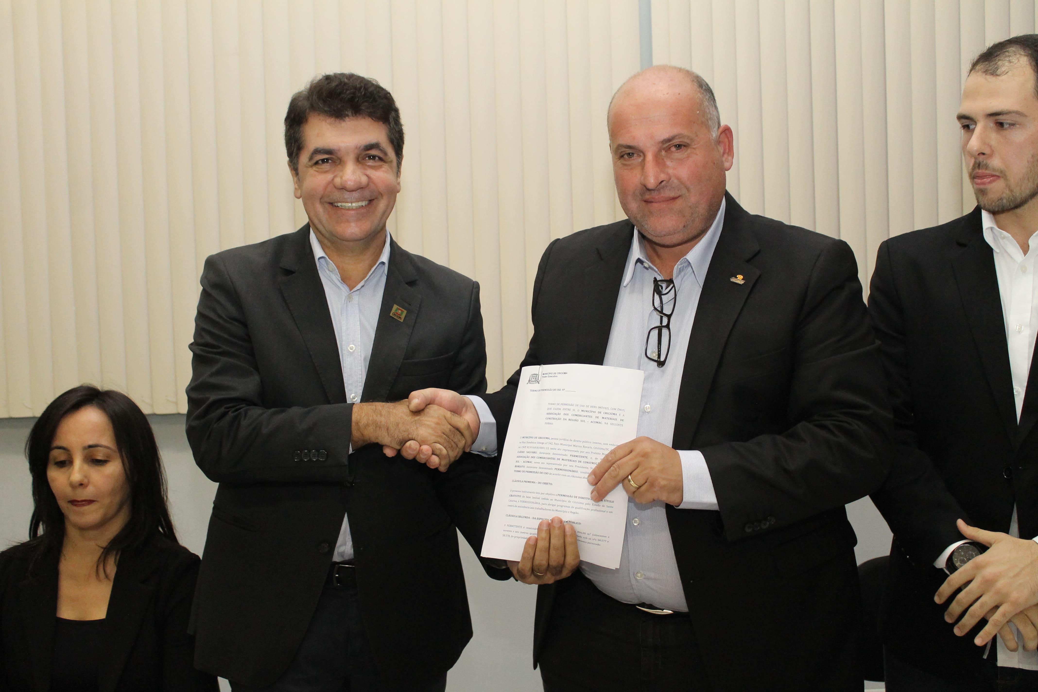 Prefeitura de Criciúma inicia pagamento da rescisão contratual de 57 médicos
