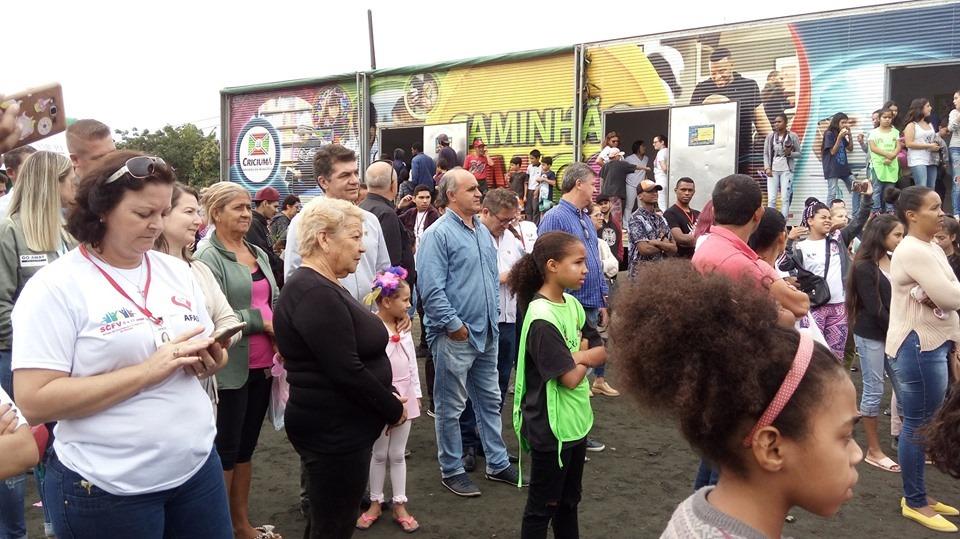 Prefeitura entrega 50 escrituras de imóveis a famílias de Criciúma nesta quarta