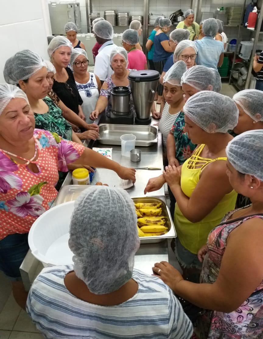 Administração Municipal qualifica cozinheiras da rede municipal de ensino de Criciúma