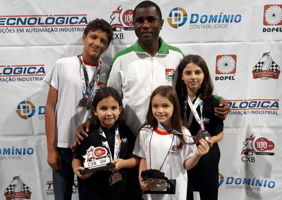 Criciúma conquista dois títulos no Campeonato Brasileiro de Xadrez Escolar