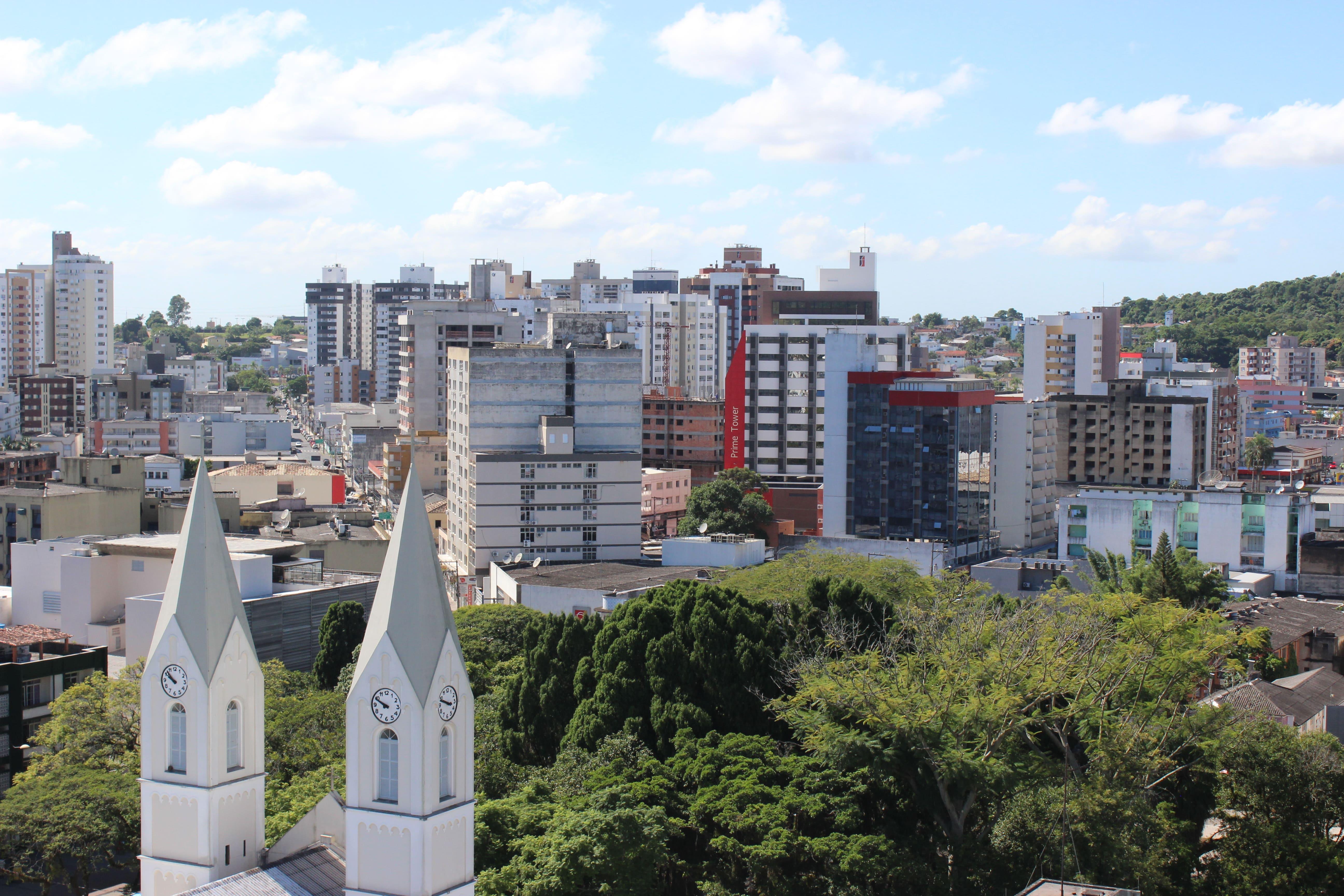 Prefeitura Municipal de Criciúma - Defesa Civil alerta para possibilidade de temporais localizados nesta quarta-feira