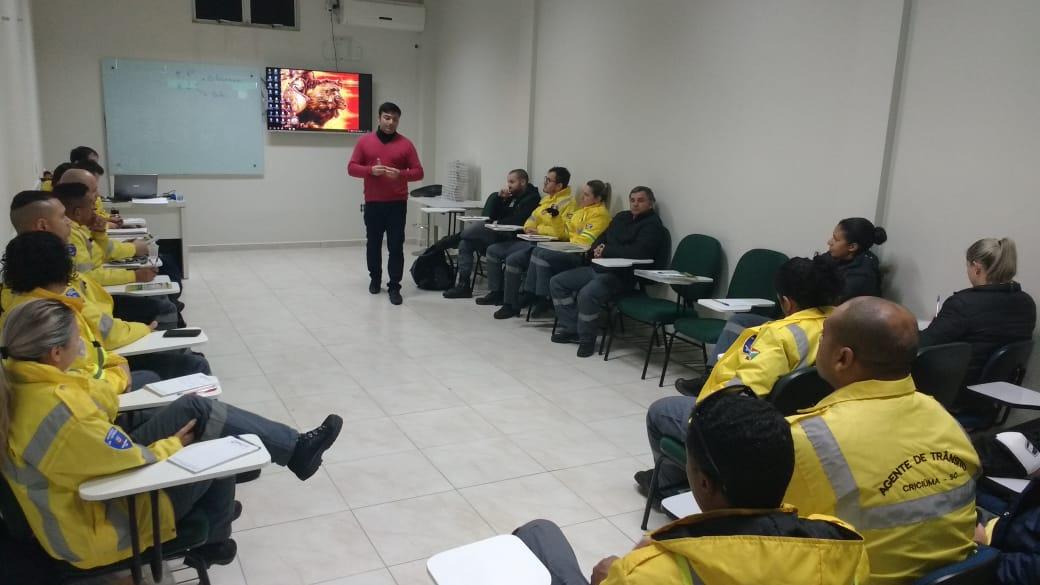 Prefeitura Municipal de Criciúma - DTT passa por capacitação sobre atualização da normativa de trânsito