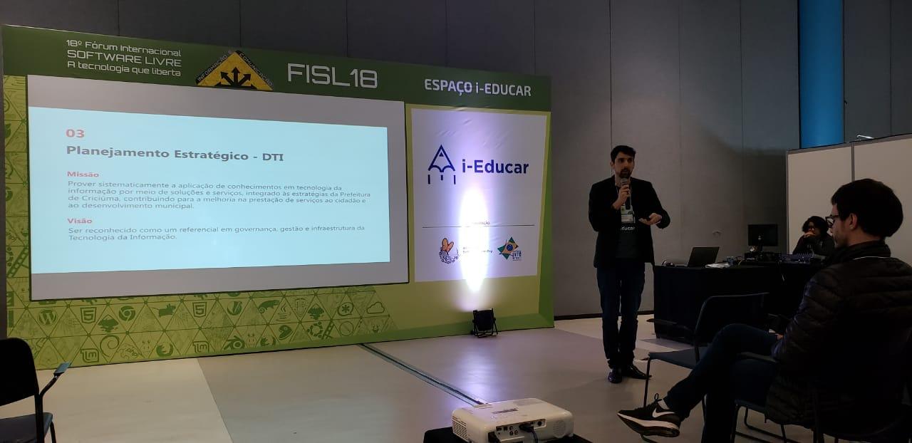 Diário Eletrônico do professor será implantado em todas as escolas do município