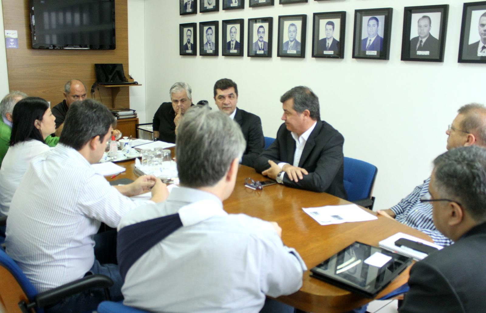 Continuidade de projetos do Fonplata é assegurada em reunião