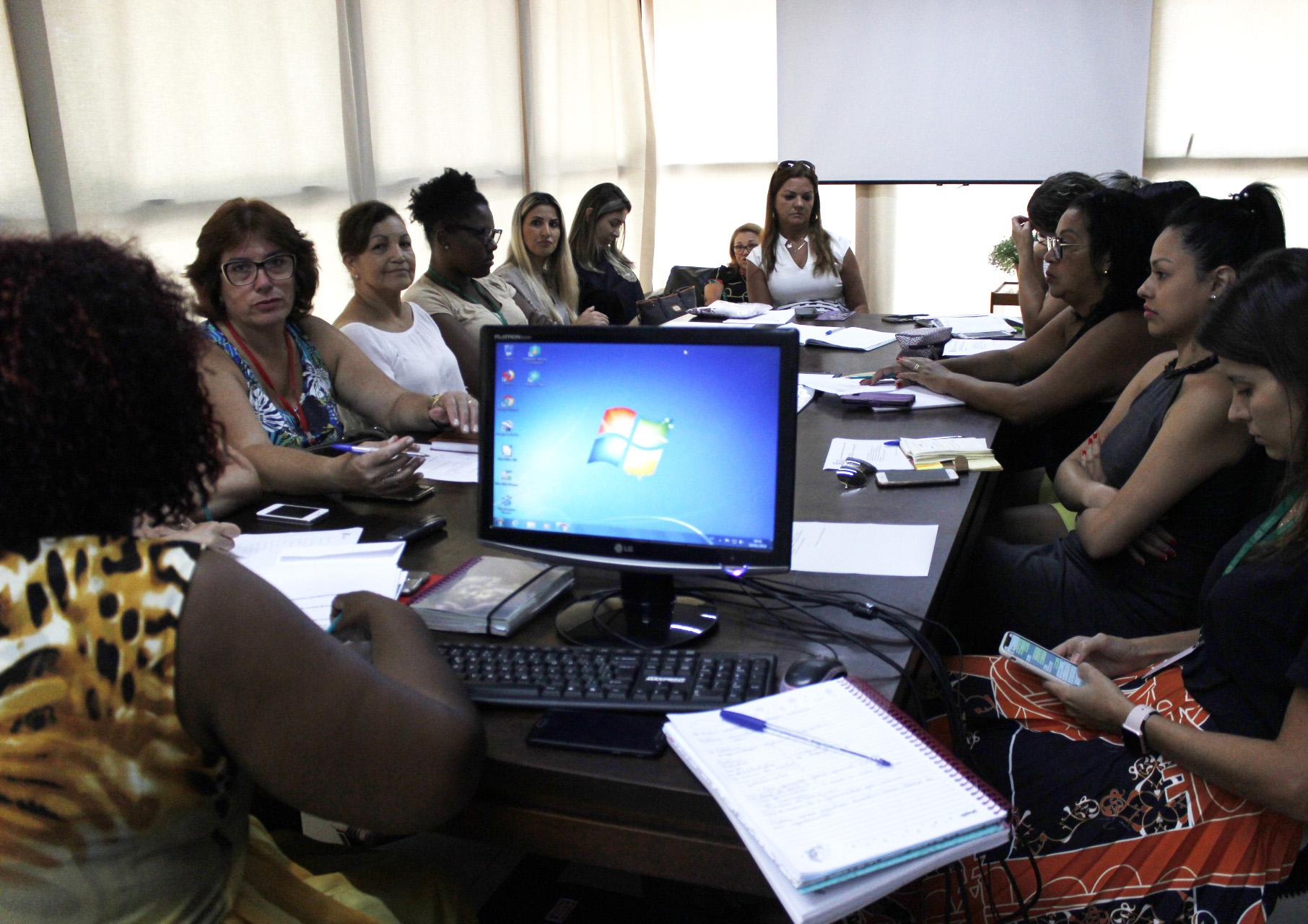 Prefeitura Municipal de Criciúma - Conselho Municipal de Direitos da Mulher programa dia 8 de março