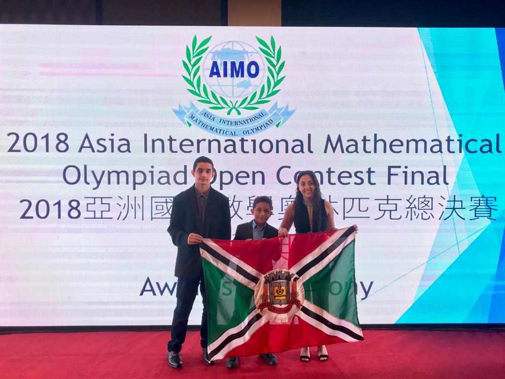 Estudantes de Criciúma são premiados na Olimpíada Internacional de Matemática na Tailândia