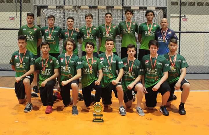 Criciúma sedia etapa do estadual de handebol masculino juvenil