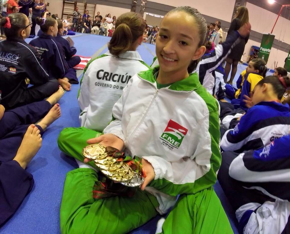 e27edcf40b Atleta criciumense é destaque na ginástica artística catarinense
