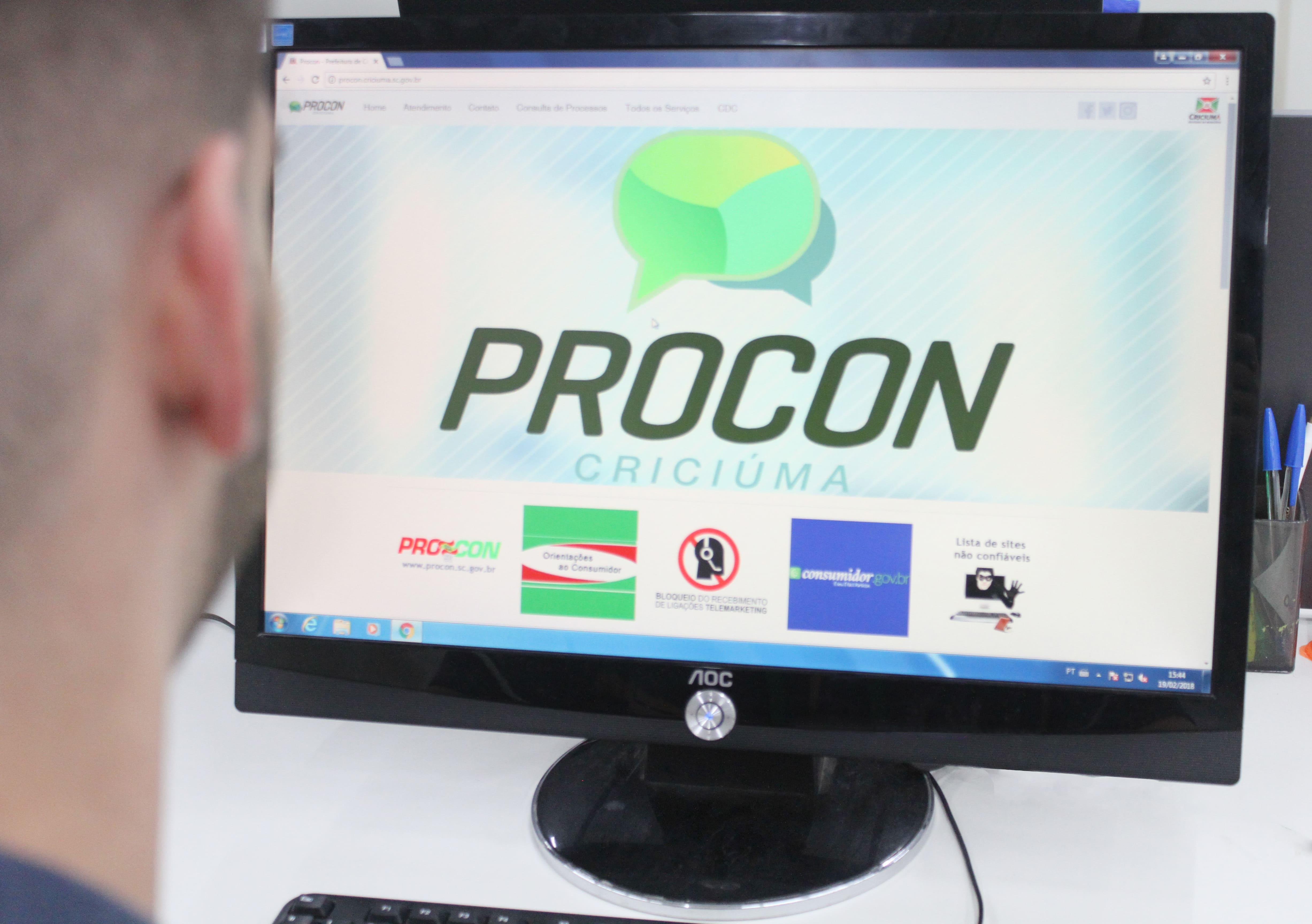 Procon realiza ação educativa para afixação de preços em Criciúma