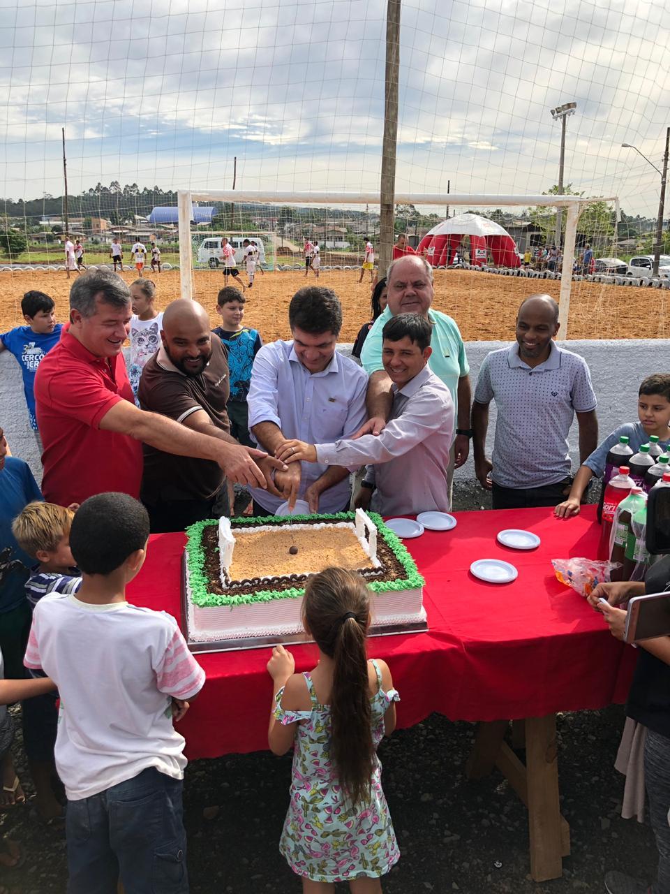 Prefeitura de Criciúma inaugura campo de futebol no bairro Renascer