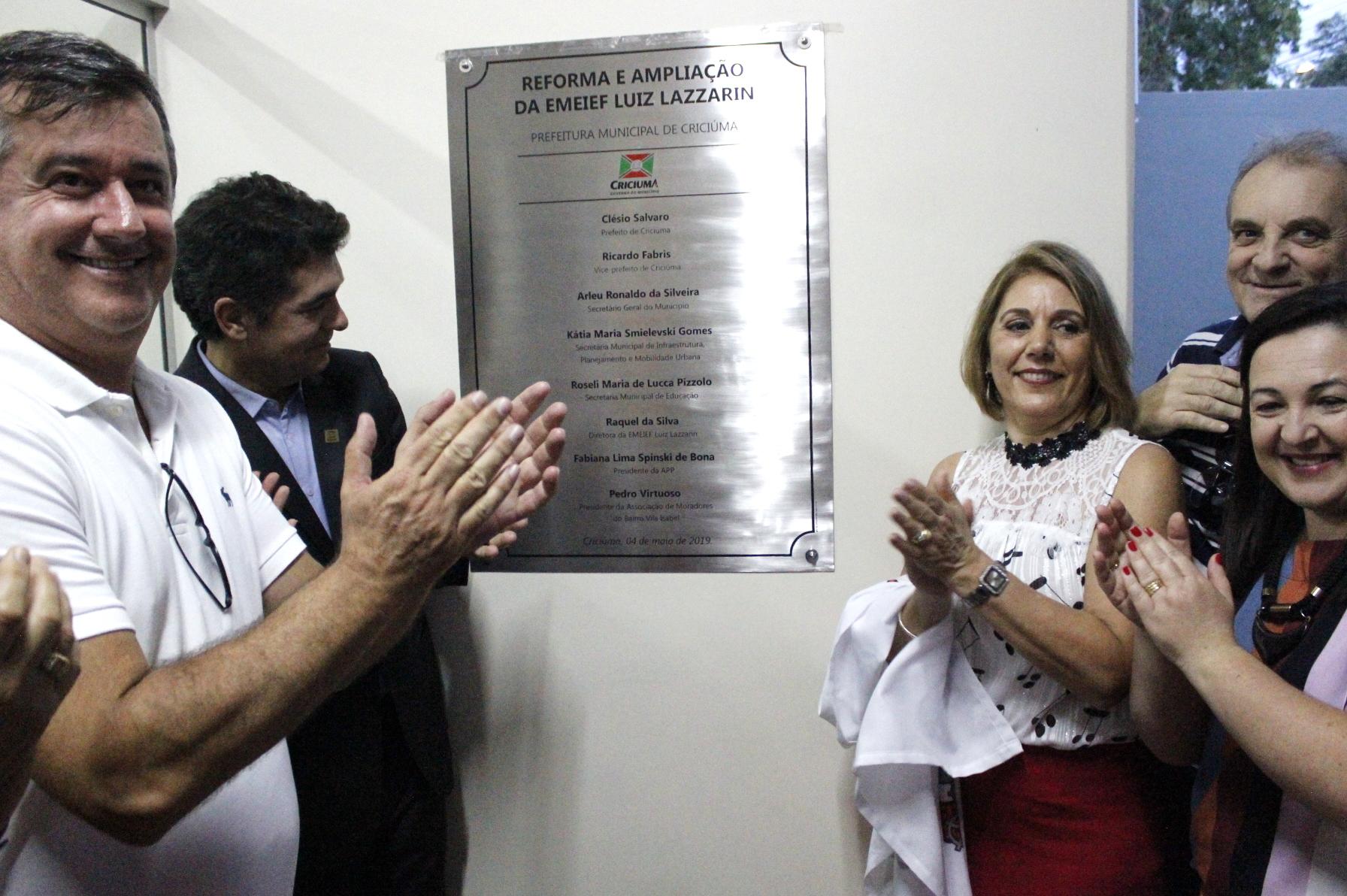 Prefeitura Municipal de Criciúma - Reforma na Escola Municipal Luiz Lazzarin é inaugurada com festa, homenagens e resgate histórico