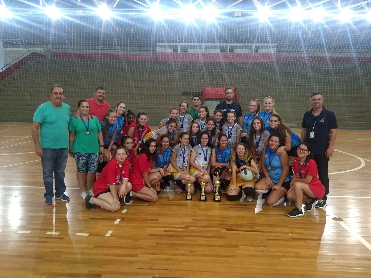 Jesc: Colégio Marista é campeão no vôlei feminino