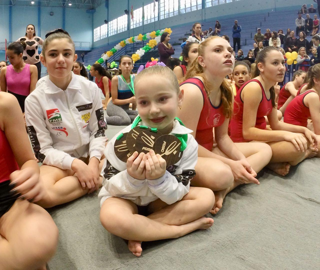 Atletas conquistam 21 medalhas na Copa Estadual de Ginástica Artística