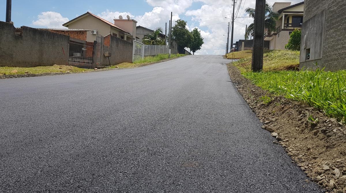 Prefeitura Municipal de Criciúma - Administração Municipal conclui pavimentação asfáltica de ruas no Loteamento Maria Laura