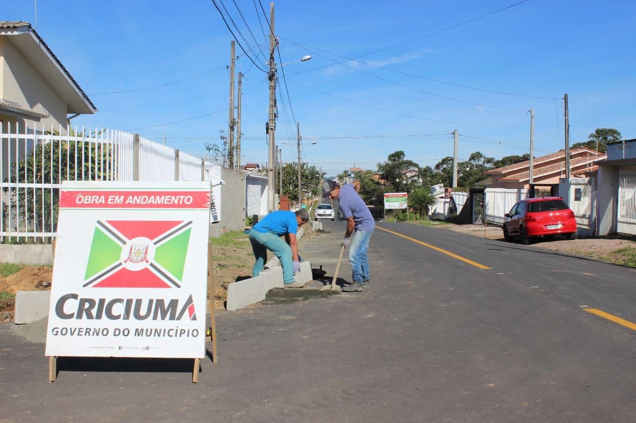 Prefeitura Municipal de Criciúma - Programas de coparticipação agilizam pavimentação de ruas em Criciúma