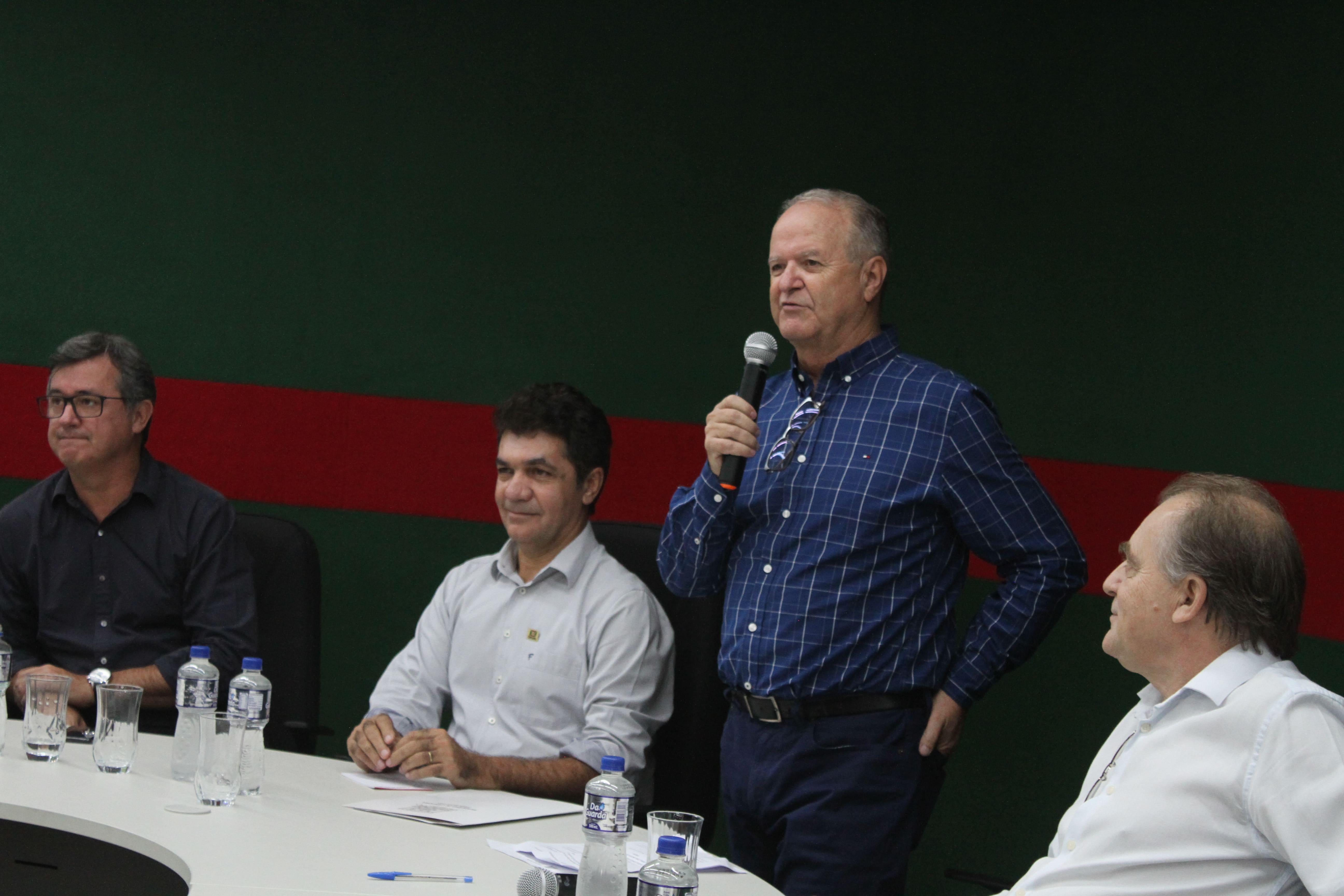 Prefeitura Municipal de Criciúma - Celito Cardoso toma posse como secretário da Fazenda