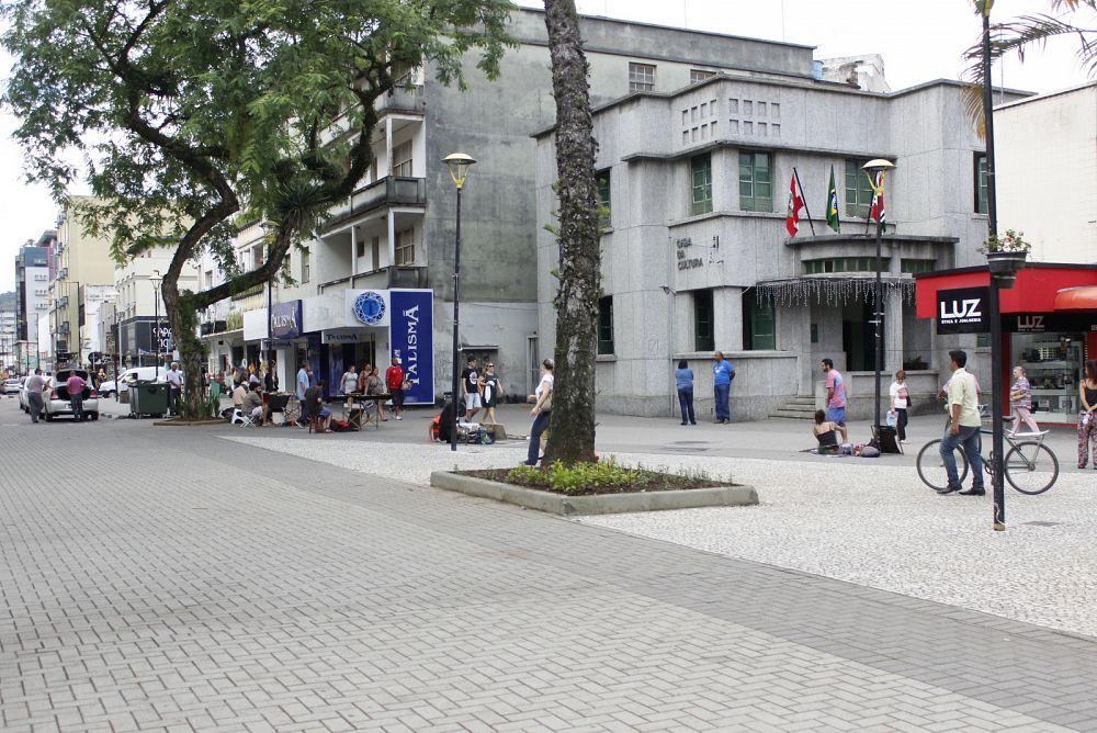 Dia do Folclore é celebrado na Praça Nereu Ramos