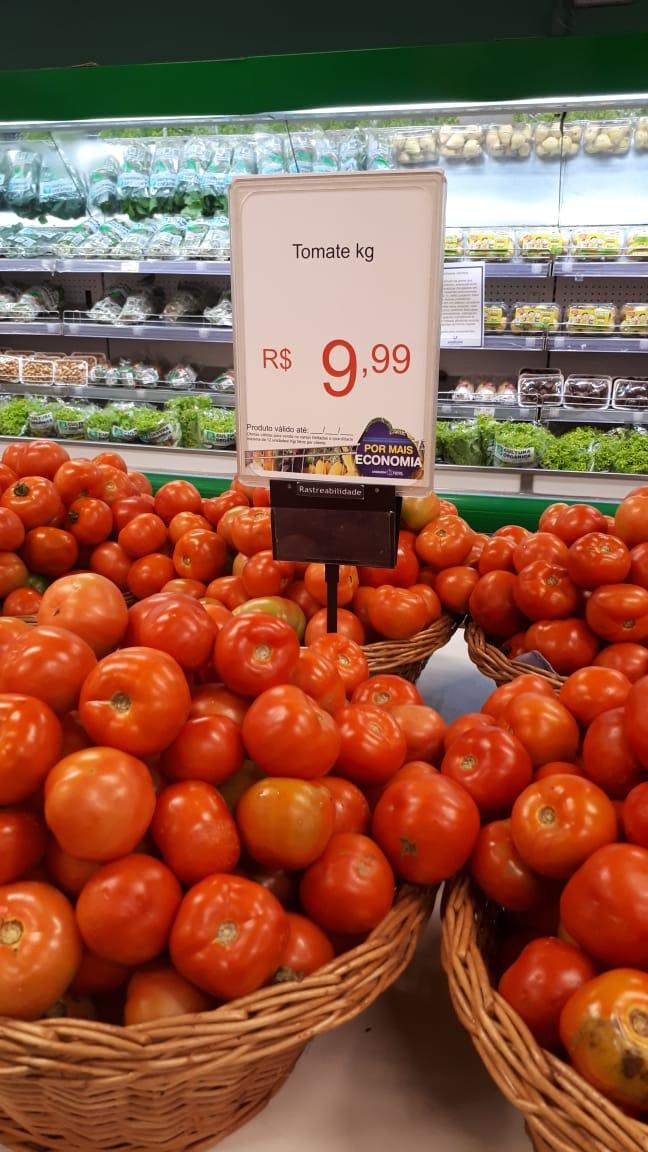 Procon_fiscaliza_supermercado.jpeg