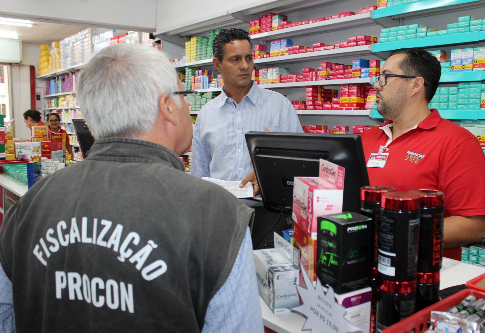 Procon_multa_farmacias_de_Criciuma_por_falta_de_atendimentos_prioritarios_Foto_Divulgacao_Decom.JPG