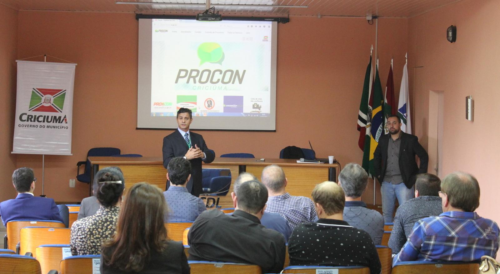 Procon_orienta_comerciantes_sobre_afixacao_correta_de_precos_Foto_de_Emerson_Justo_10.JPG
