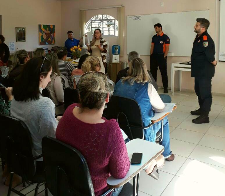 Professores_municipais_de_Criciuma_recebem_capacitacao_em_primeiros_socorros.jpeg