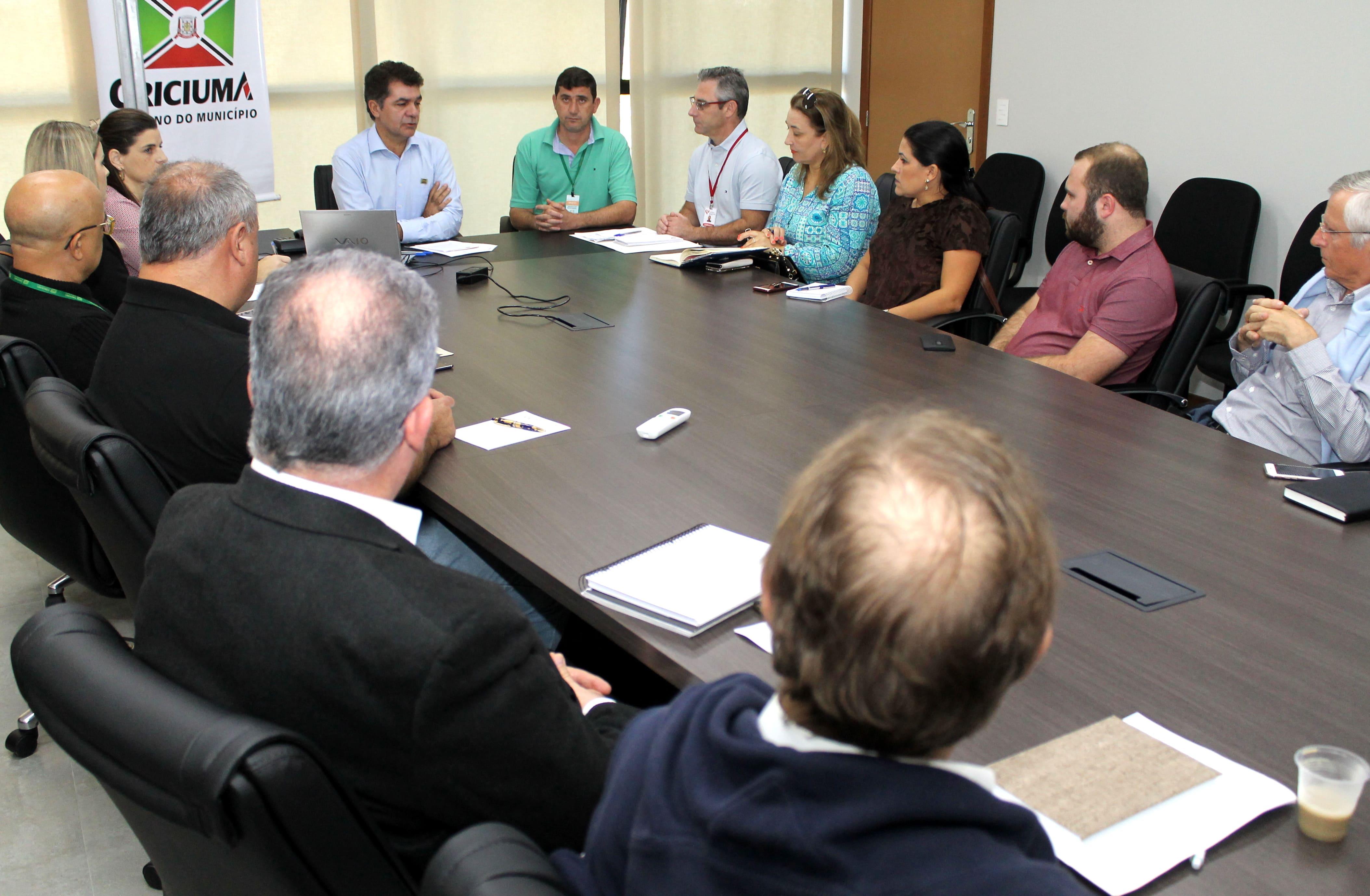 Prefeitura garante manutenção de serviços essenciais na saúde, educação e transporte público