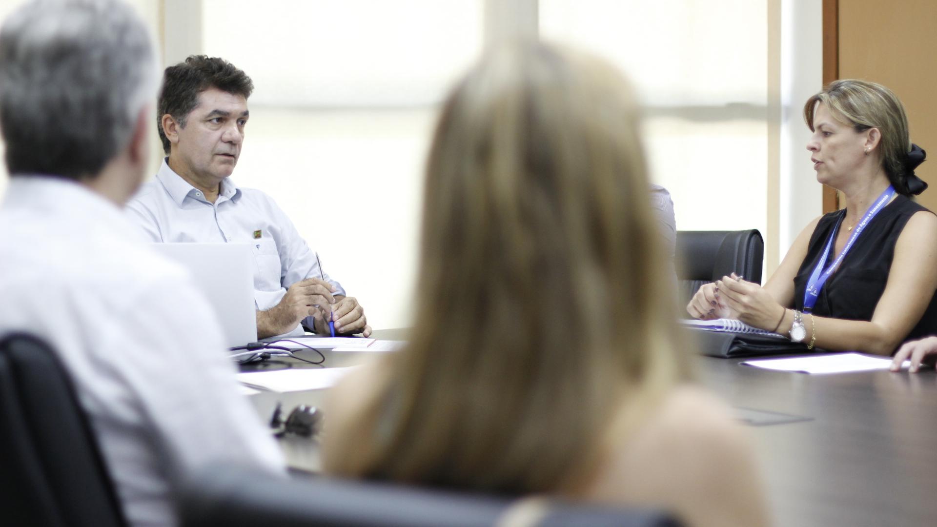 Prefeitura Municipal de Criciúma - Salvaro recebe futura presidente da Casan e reivindica redução do valor cobrado pela taxa de esgoto em Criciúma