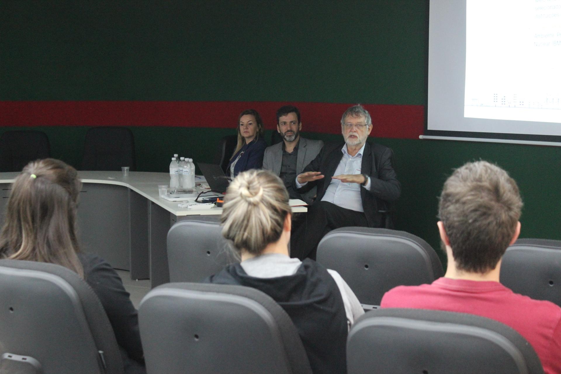 Equipes técnicas da prefeitura e da Caixa se reúnem para discutir o Mirante Realdo Guglielmi