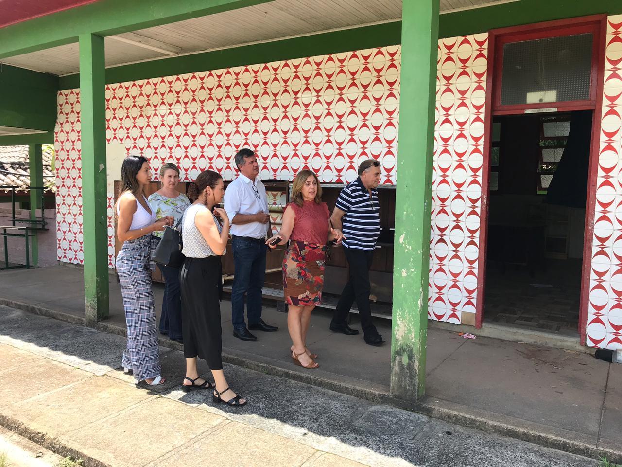 Prefeito em exercício visita reforma da escola Luiz Lazzarin