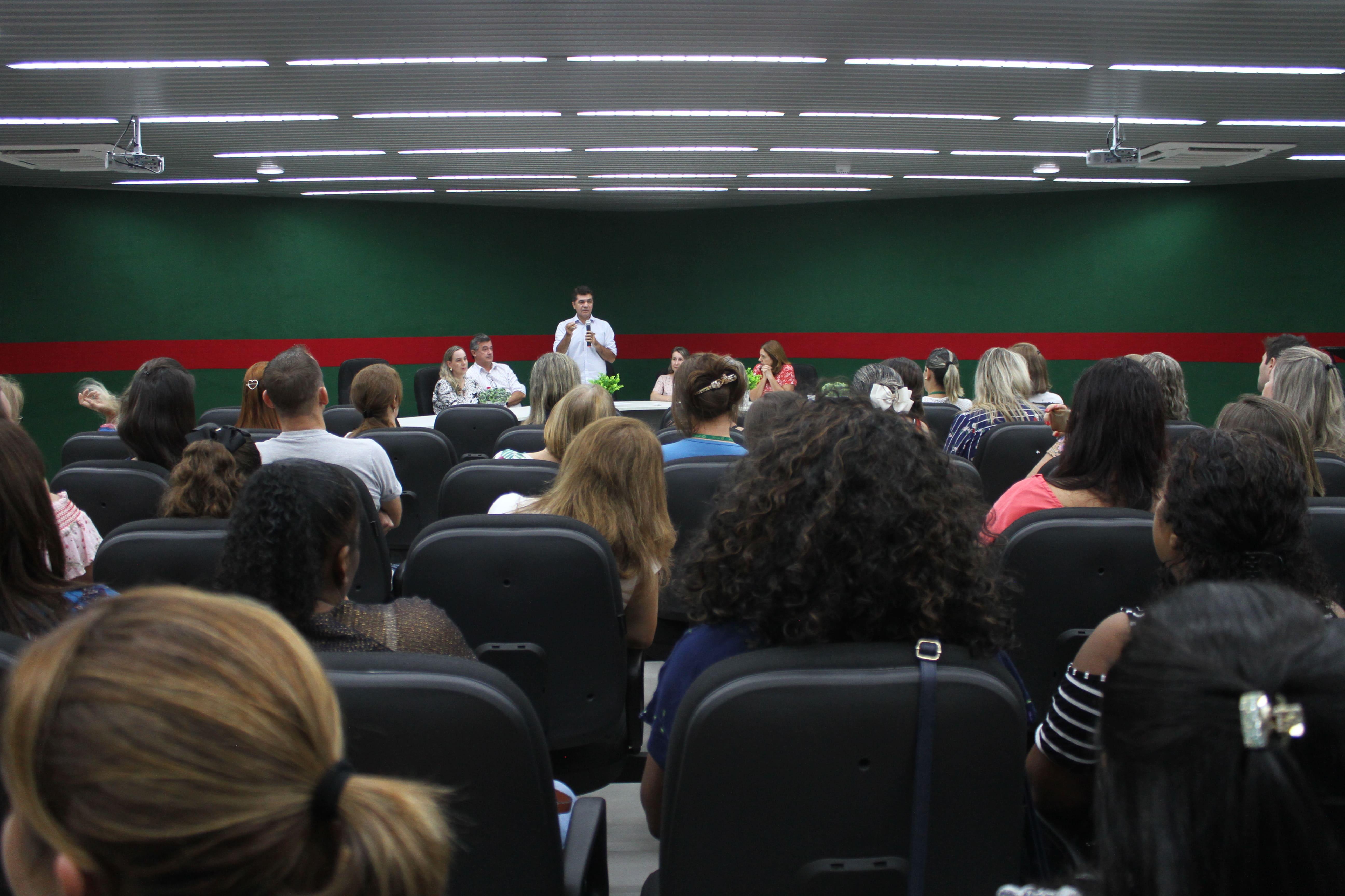 Prefeitura Municipal de Criciúma - Salvaro autoriza repasse de recurso emergencial a escolas do município