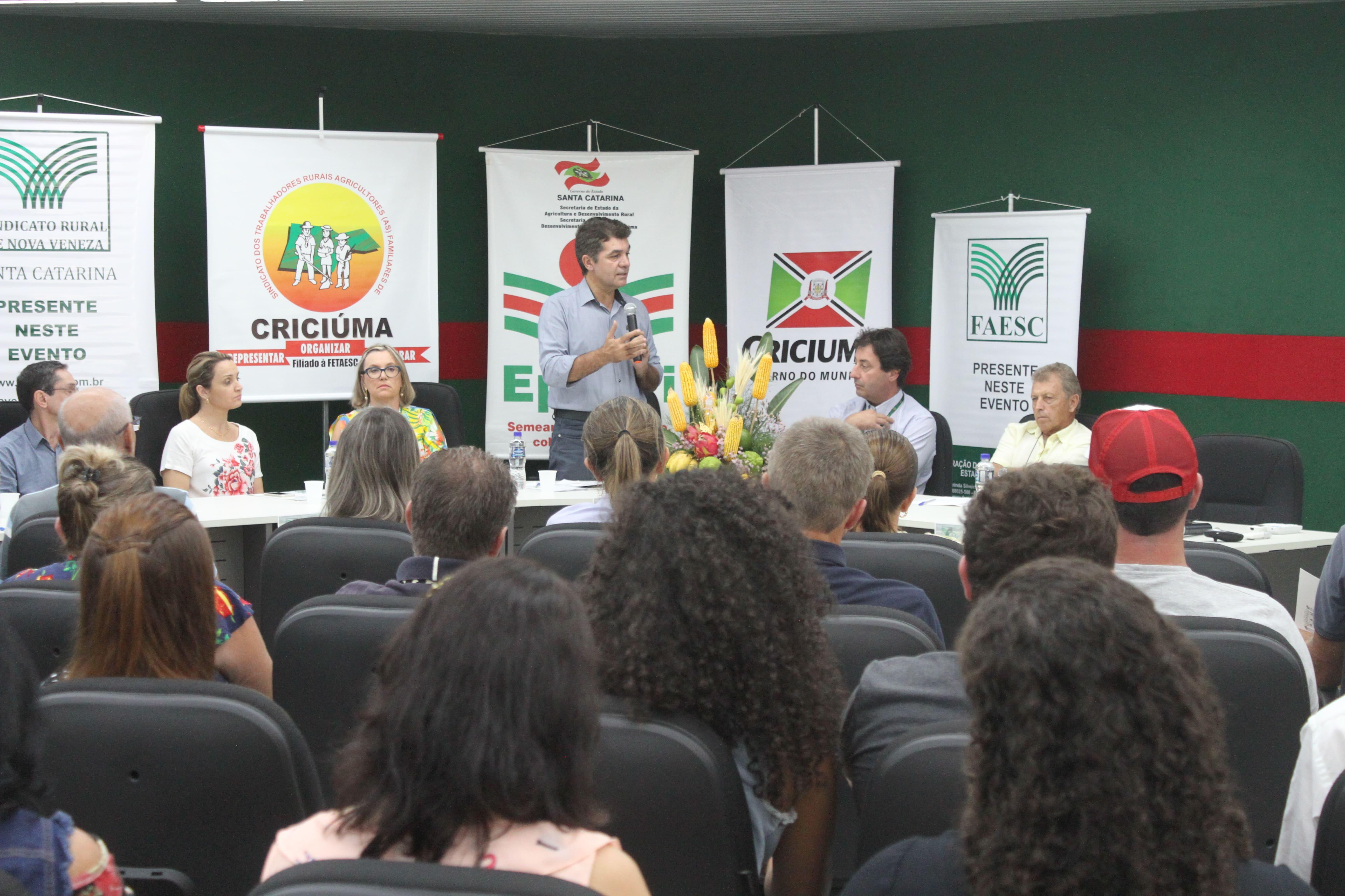 Prefeitura Municipal de Criciúma - Gerência de Agricultura promove seminário para produtores rurais de Criciúma