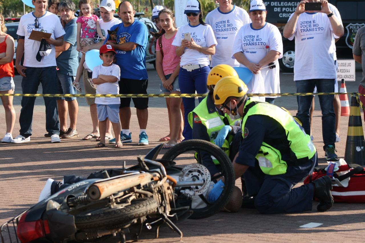Semana Nacional do Trânsito: simulação de resgate e conscientização de motoristas