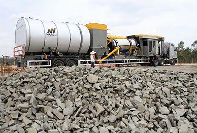 Usina de asfalto melhora mobilidade urbana e traz mais segurança aos moradores