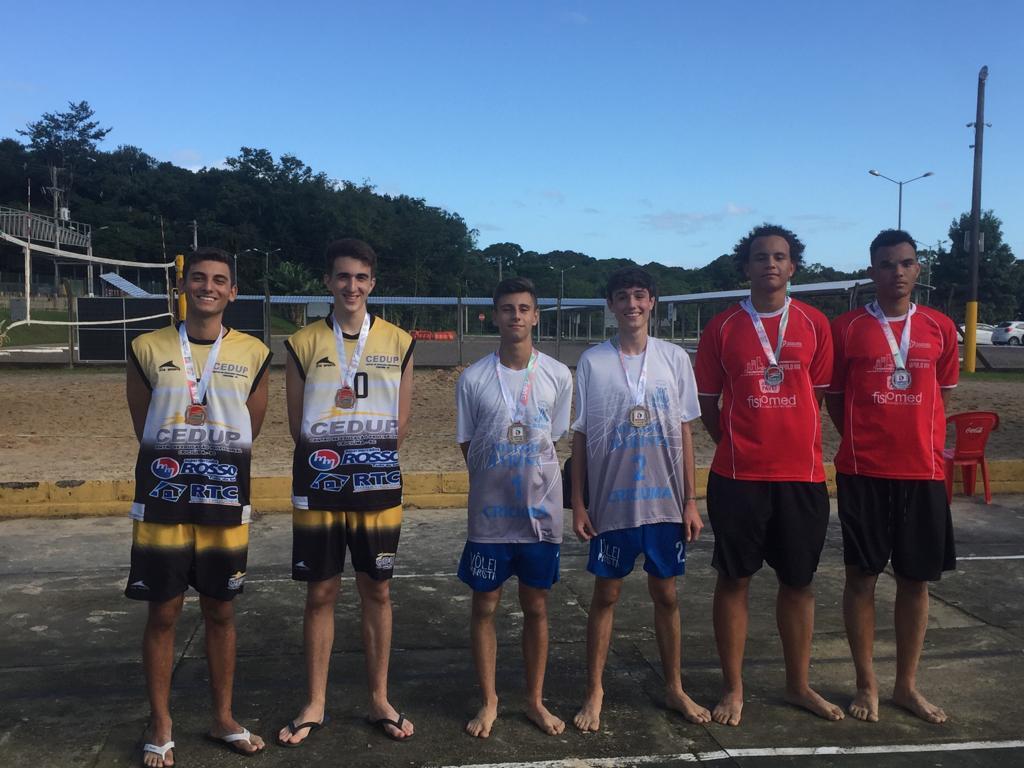 Jesc: vôlei de praia masculino abre semana de competição
